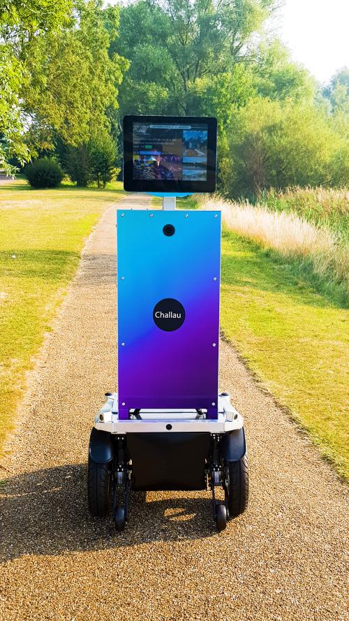 Robot-travel-virtual holidays